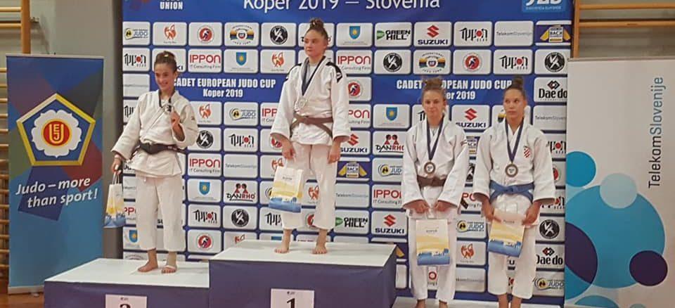 Podium Ilona en Slovénie